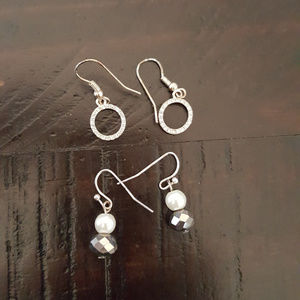 Jewelry - Set of 2 Earrings Circles and Small drop